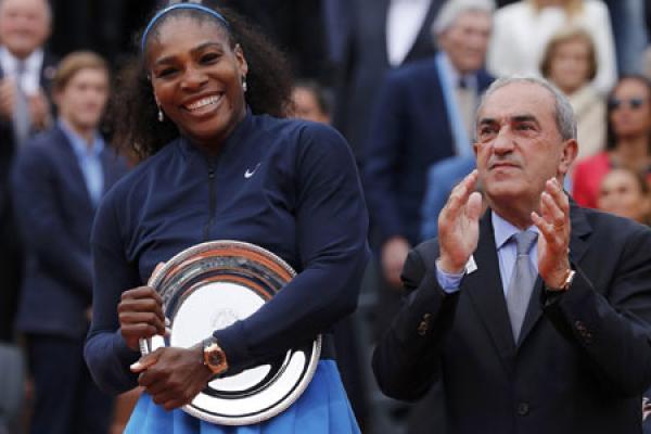 Serena vượt Sharapova, trở thành VĐV nữ kiếm nhiều tiền nhất